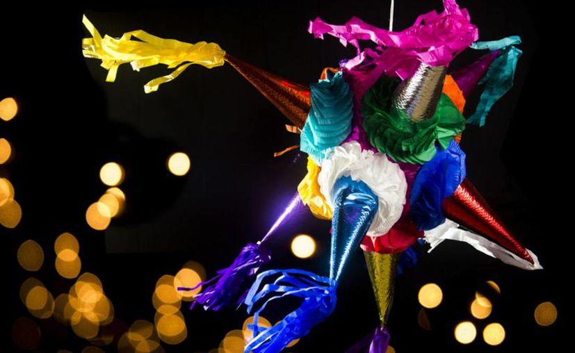En casi cualquier mercado se consiguen piñatas de formas, colores y tamaños diversos. (Milenio Novedades)