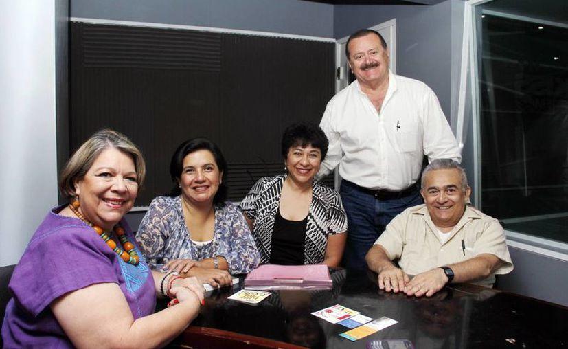 El padre Jesús Caballero estuvo como invitado en el programa radiofónico Salvemos Una Vida. (SIPSE)