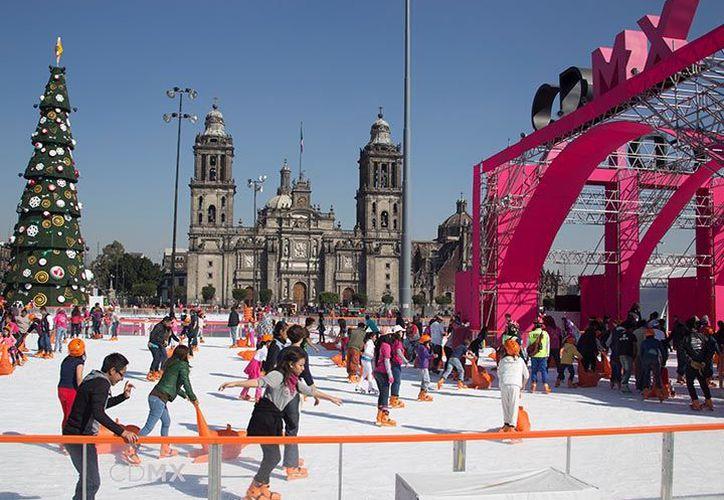 Los asistentes también podrán disfrutar de los toboganes, uno de 10 metros de altura con 37 metros de caída congelada. (Foto: Excélsior)