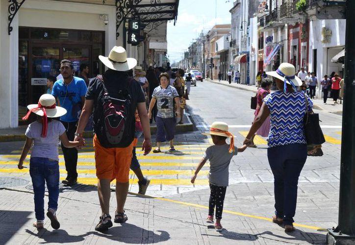 Temperaturas calurosas durante el día y precipitaciones vespertinas, por influencia de una vaguada y el ingreso de aire marítimo proveniente del Mar Caribe y Golfo de México, es el pronóstico del clima para la Península de Yucatán, según la Conagua. (SIPSE)