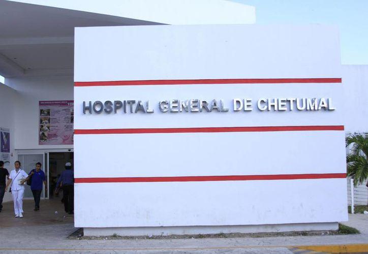 El director del Hospital General, Noé Sánchez, señaló que cada fin de año se les acaba los insumos y son abastecidos hasta enero. (Harold Alcocer/SIPSE)
