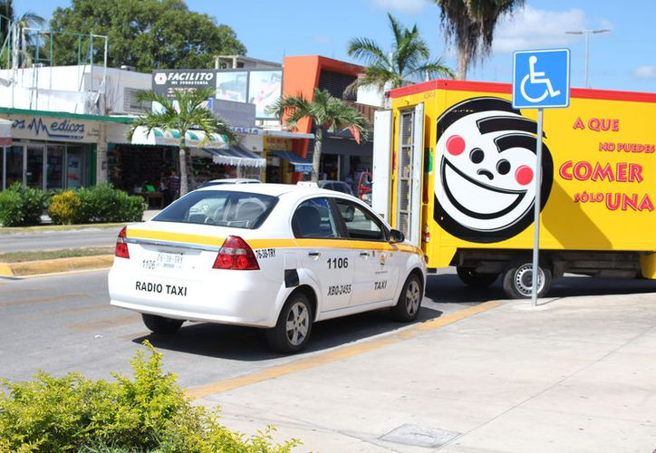Entre las sanciones está decomiso y cancelación de la licencia de los conductores. (Foto: Joel Zamora/SIPSE).