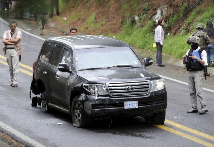 Entre los vehículos que conforman la flota de EU en México hay 108 que son Toyotas Land Cruiser, similares al baleado en agosto en Tres Marías. (Archivo Notimex)