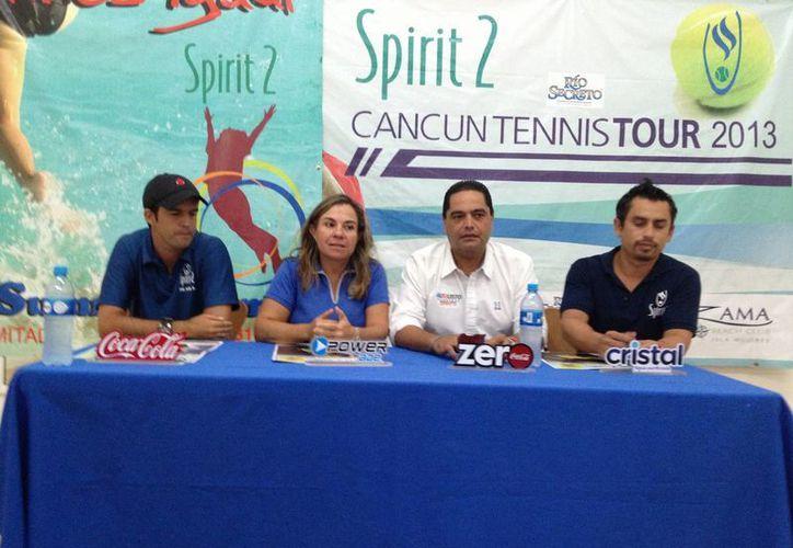 En conferencia dieron a conocer las bases de la cuarta fecha del circuito. (Ángel Mazariego/SIPSE)
