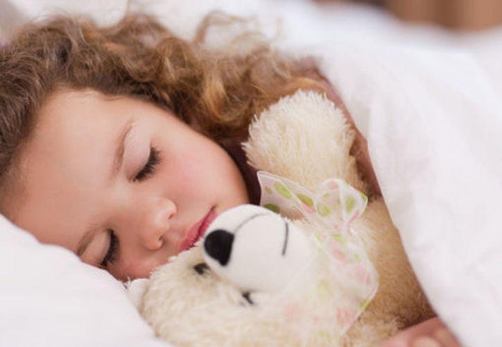 Un día lleno de actividades ha terminado y lo que todos quieren es dormir, pero resulta que los pequeños no tienen eso en mente. (Contexto/Internet).
