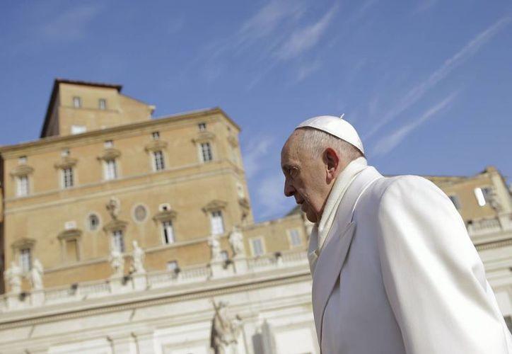 El Papa Francisco habría intervenido en la 'reconciliación' entre Cuba y EU, según la prensa, aunque esto no fue confirmado por la Santa Sede. (Archivo/AP)