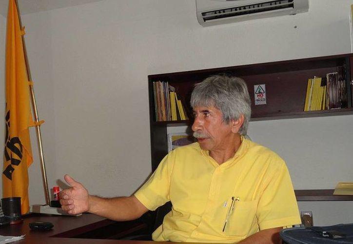 Julio César Lara, líder estatal del PRD, estuvo presente en la votación que definió la alianza total con el PAN.