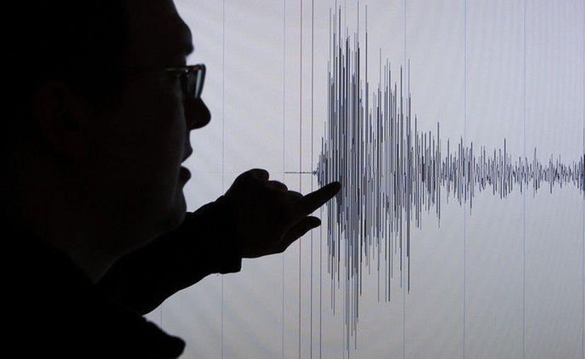 Las autoridades de Plomari han confirmado que además de viviendas, el sismo ha destruido la cúpula de la iglesia de San Pantaleón. (RT)