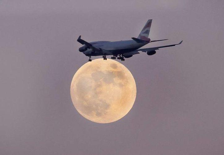 El eclipse total de Luna inicio se dará en punto de las 03:00 horas de este miércoles. (Notimex)