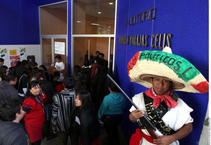 El movimiento #YoSoy132 realizó la Asamblea Nacional Extraordinaria en la Facultad de Ciencias de la UNAM. (Agencia Reforma)