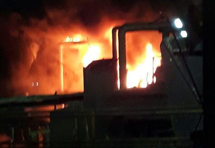 El incendio fue controlado por los obreros de la fábrica. (Carlos Castillo/SIPSE)