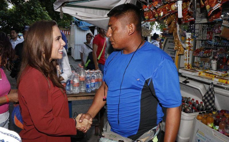 En conferencia de prensa adelantó parte de su plataforma de campaña. (Foto: Redacción/SIPSE).