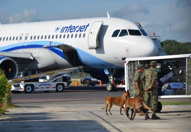 Partieron del Aeropuerto Internacional de Chetumal con destino a la Ciudad de México. (Gerardo Amaro/SIPSE)