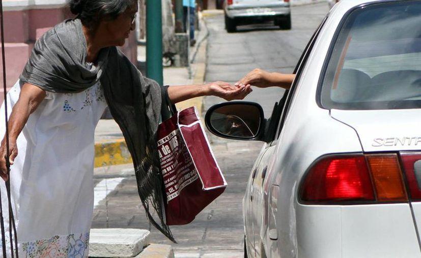 De acuerdo con el Coneval, en Yucatán vive 997 mil personas en condiciones de pobreza. (SIPSE)