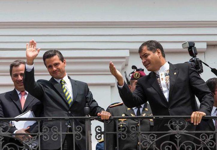 Peña Nieto invitó al mandatario ecuatoriano, Rafael Correa, a que visite México. (presidencia.gob.mx)