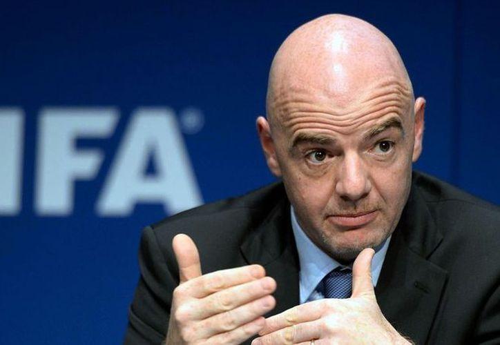 El tema fue discutido por el presidente de la FIFA, Gianni Infantino, con algunas federaciones en Mauritania y Nigeria. (Foto: Vanguardia MX)