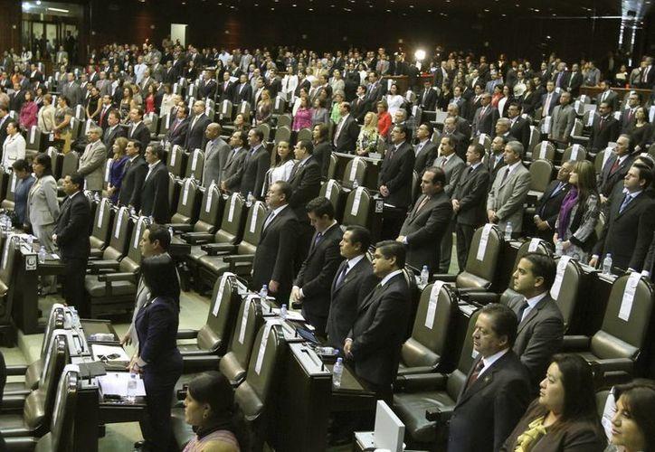 La Cámara de Diputados confirmó anoche la contratación de un paquete de Telmex. (Archivo/Notimex)