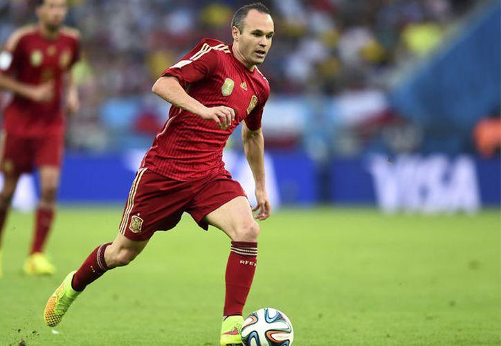 Iniesta sufre una elongación en el muslo y se perderá los dos últimos partidos de clasificación para el Mundial-2018 con España. (Internet/Contexto)