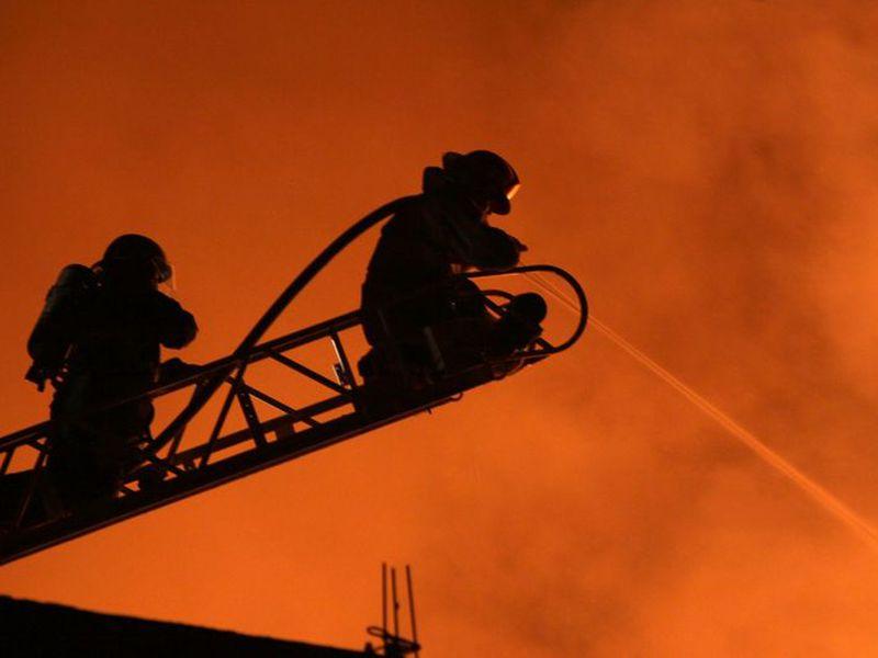 Los bomberos tuvieron un fin de semana intenso en el DF. (Notimex)