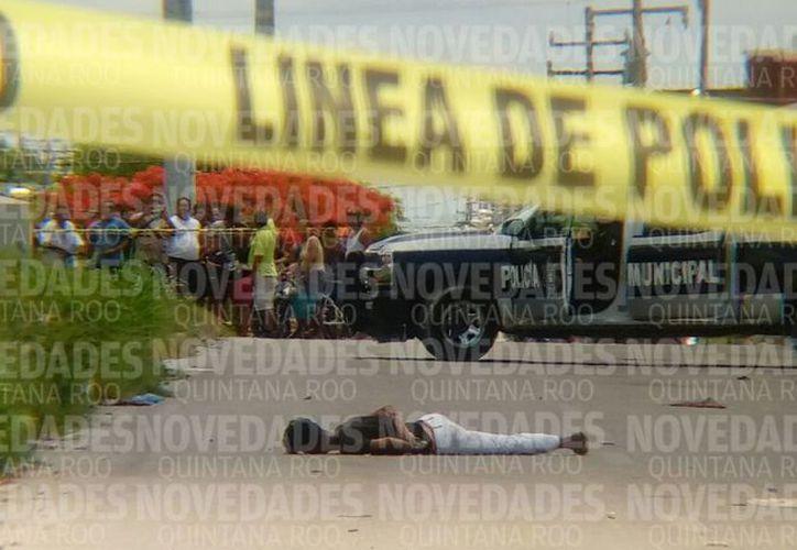 Hasta el momento se desconoce la identidad de los presuntos responsables y la del sujeto sin vida. (Eric Galindo/ SIPSE)