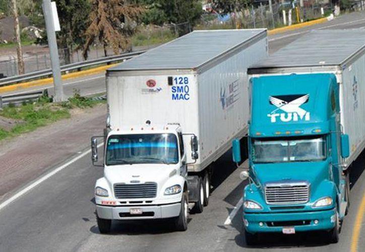 La SCT expone que podrá sancionar a los transportistas mediante multas electrónicas. (tyt.com.mx)