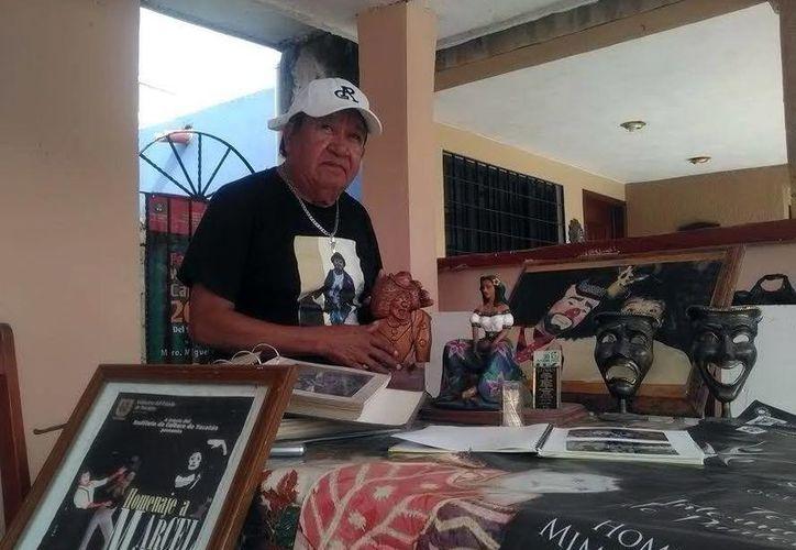 Pastor Cervera tiene más de 45 años de trayectoria en la pantomima. (Milenio Novedades)