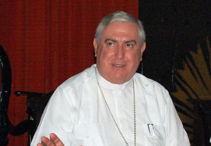 Emilio Carlos Berlie Belauzarán llamó a sumarse al programa 24x24 para superar el egoísmo. (SIPSE)