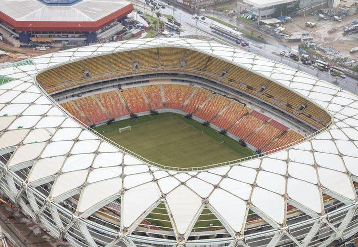Algunos de los estadios mundialistas de Brasil han sido ocupados para bodas y hasta cumpleaños para generar ingresos extra. (Archivo/SIPSE)
