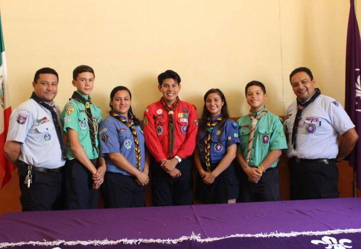 Participantes en la conferencia de prensa en la que se presentó la Semana Scout en Mérida. (Milenio Novedades)