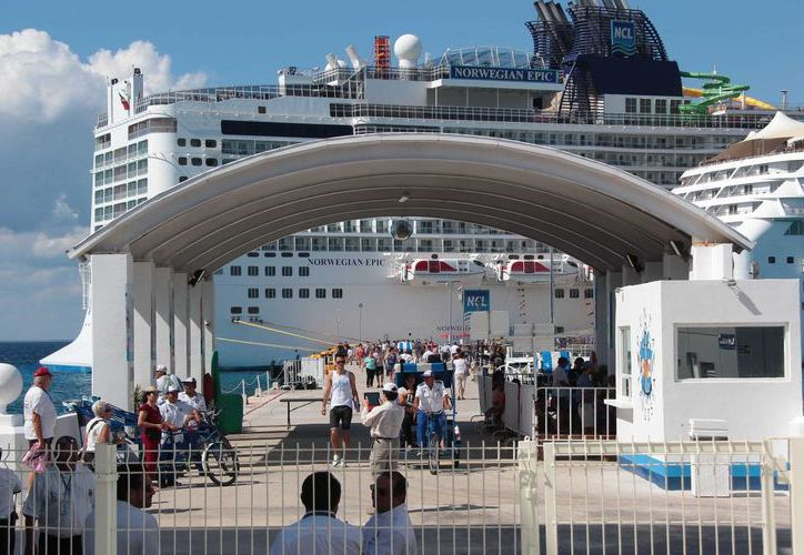 Durante la última semana de noviembre se espera que lleguen 31 cruceros a Cozumel. (Gustavo Villegas/SIPSE)