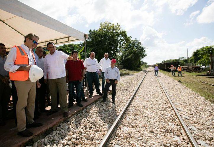 Se espera que para el 2018, Yucatán cuente con un transporte ferroviario de carga con la velocidad adecuada, sin accidentes y en condiciones para llegar al nodo logístico de Coatzacoalcos, Veracruz. (Foto cortesía del Gobierno)