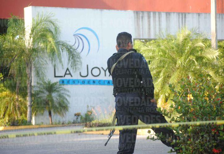 Elementos de Seguridad Pública y de la Policía Ministerial tomaron conocimiento de los hechos. (Eric Galindo/SIPSE)
