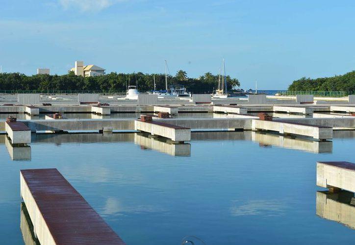Se espera que a más tardar en agosto comience a operar la Marina Cozumel.  (Gustavo Villegas/SIPSE)