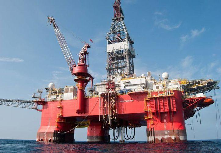 El escándalo más reciente que afectó a Pemex fue el caso Oceanografía. La petrolera fue advertida de irregularidades en la empresa, pero siguió haciendo negocios con ella. (oronegro.mx)