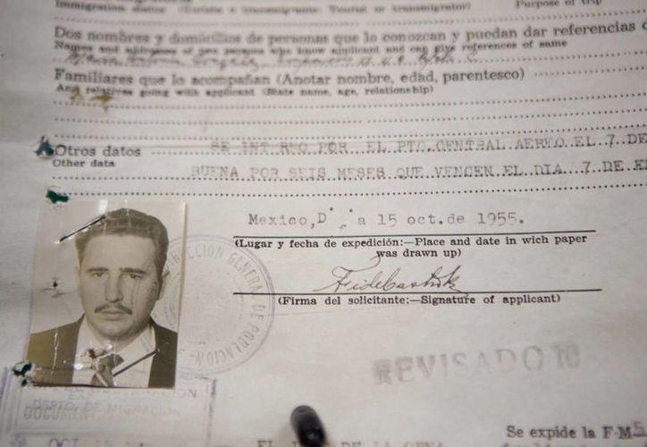 Documento migratorio de Fidel Castro. (Agencias)