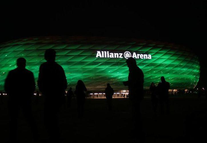 El estado del Bayern Munich también se iluminó de verde. (Agencias)