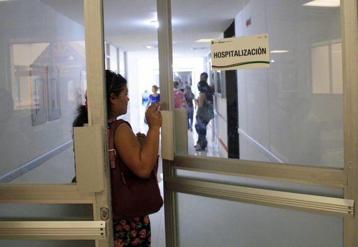 Se recomienda a la población acudir al médico ante la presencia de cualquier cuadro gripal. (Harold Alcocer/SIPSE)