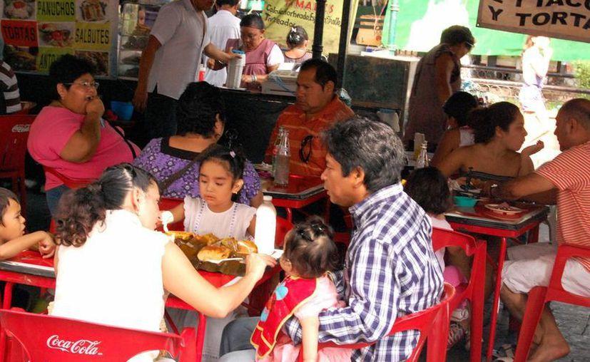 Profeco y Canirac se unen para que los restaurantes cumplan con las normas de atención al cliente. (SISPE)
