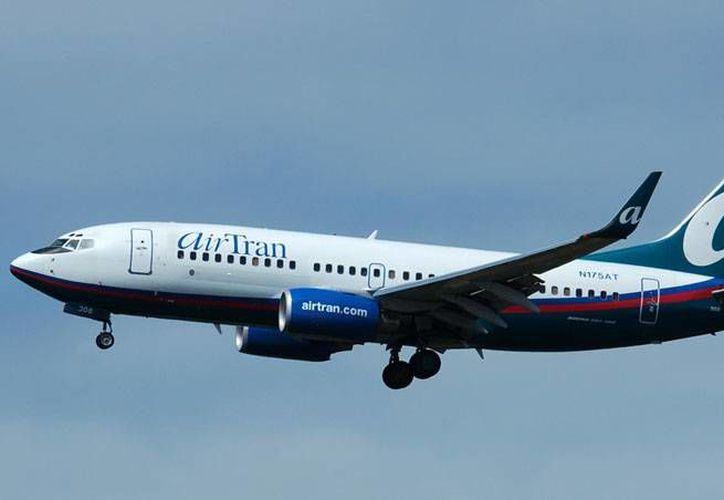 Poco después del incidente el avión reanudó su viaje con destino en Austin. (onescrappymom.com)