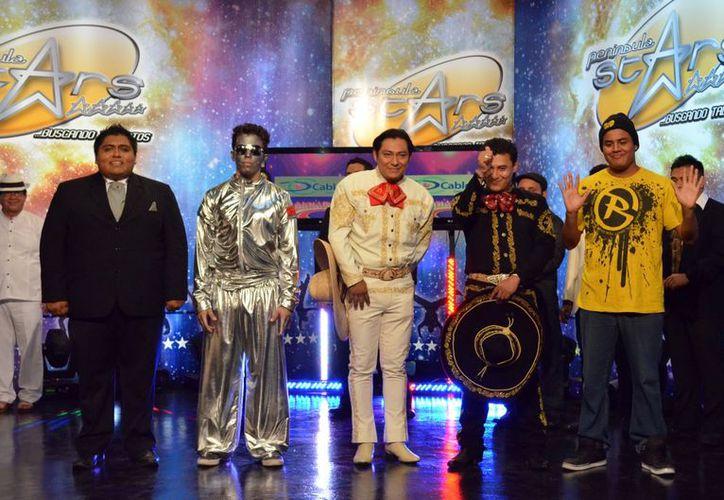 Los cinco finalistas de la primera eliminatoria de Peninsula Stars. (Theany Ruiz/SIPSE)