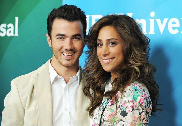 Kevin y Danielle se casaron en 2009 y protagonizan el reality de E! 'Married to Jonas'. (Agencias)