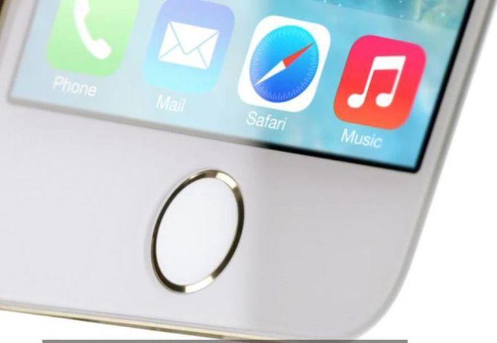 Apple destaca en su portal de Internet que al cliente que adquiera un iPhone 5s o iPhone 5c en una tienda oficial de Apple se ofrecerá servicio gratuito de configuración personal. (apple.com)