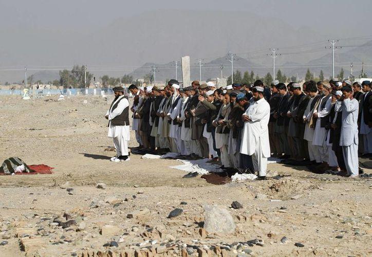 14 civiles resultaron muertos en el ataque del Talibán contra el Aeropuerto internacional de Kandahar, en Afganistán. (AP)
