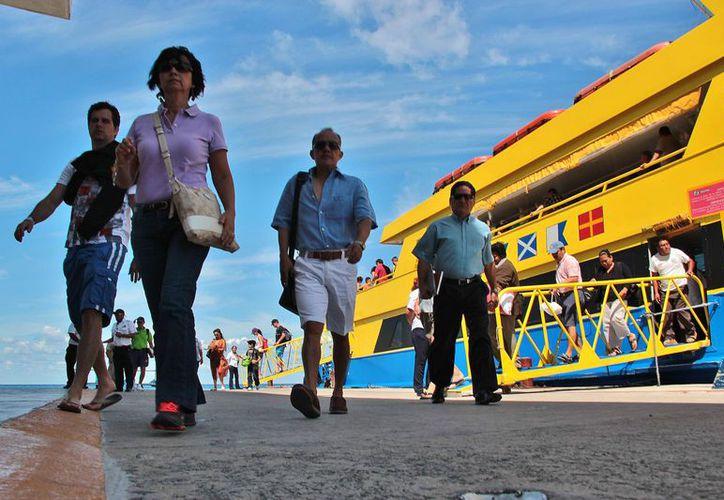 Crece el número de pasajeros movilizados en las terminales portuarias. (Gustavo Villegas/SIPSE)