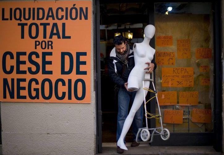 La crisis económica y la dura política de ajustes afecta a todos los colectivos del país. (Agencias)