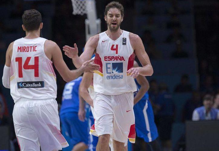 Dos organismos deportivos de España denunciaron al diario Le Monde por sembrar 'dudas sobre el rendimiento deportivo del basquetbolista Pau Gasol tras la victoria de España en el reciente Eurobasket'. (europapress.net)