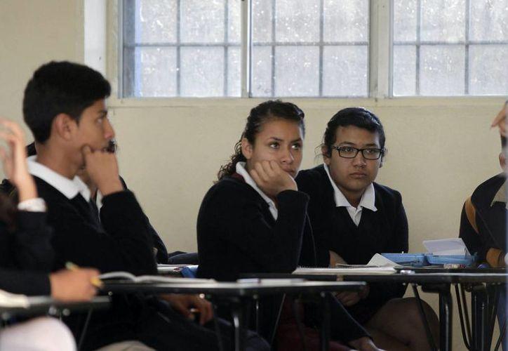 El Instituto Nacional para la Evaluación de la Educación (INEE) determinó que al país le tomará 25 años obtener el puntaje promedio si no realiza mejoras a la inequidad social y escolar del país. (Archivo/Notimex)