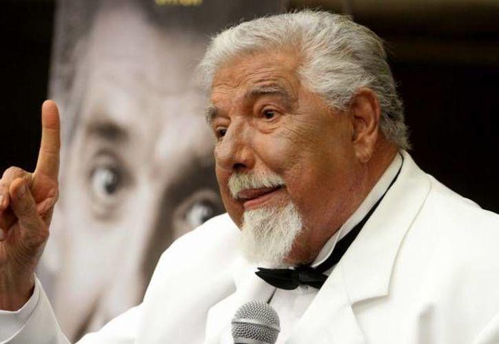 Rubén Aguirre, quien interpretó a El Profesor Jirafales, en El Chavo del 8, falleció este viernes, a los 82 años de edad. La imagen corresponde a la presentación de su libro autobiográfico en 2015. (Archivo/NTX)