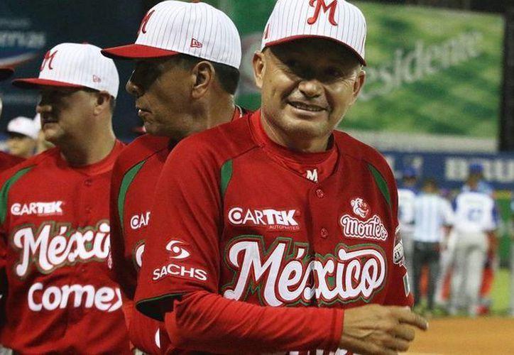 """El yucateco Juan José Pacho fue elegido como el mánager del equipo de """"estrellas"""" tras coronarse campeón de la Serie del Caribe con los Venados de Mazatlán que doblegaron este domingo a Venezuela. (Imagen espn.com)"""