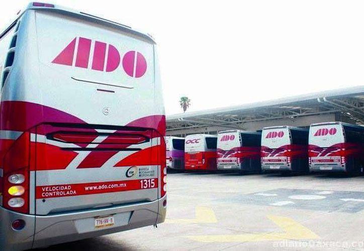 ADO tiene su sede central en la ciudad de México y cubre más de mil 500 destinos dentro del Golfo, Sur, Sureste y Centro del país. (adiariooaxaca.com)